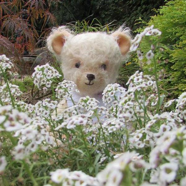 Handmade teddy bear girl white shculte