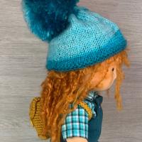 Плетена жапка за кукла