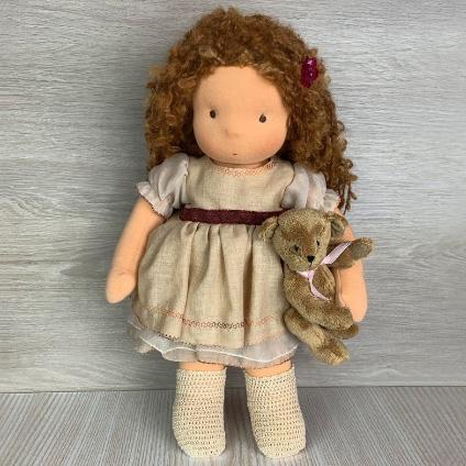 Валдорфска кукла с плюшено мече
