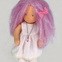 Валдорфска кукла с розова коса