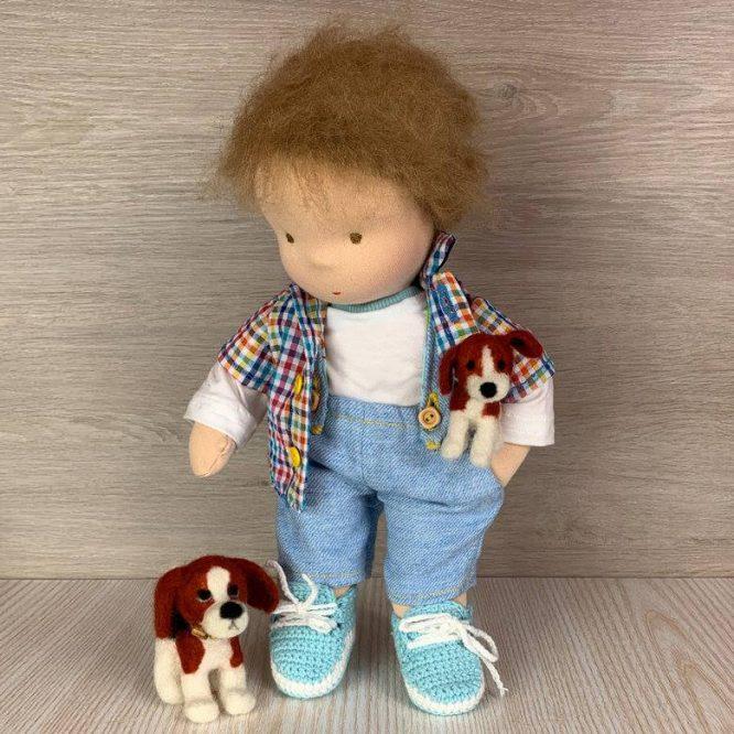 Валдорфска кукла момче с две кучета