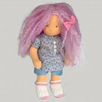 Кукла с розова коса